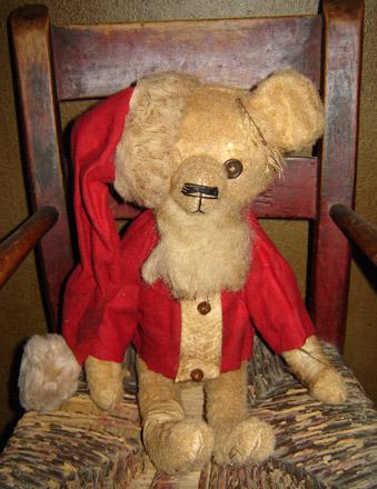BR107 Sitting Santa Bear-