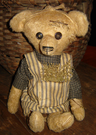 BR112 Margaret Bear With Ticking Apron-