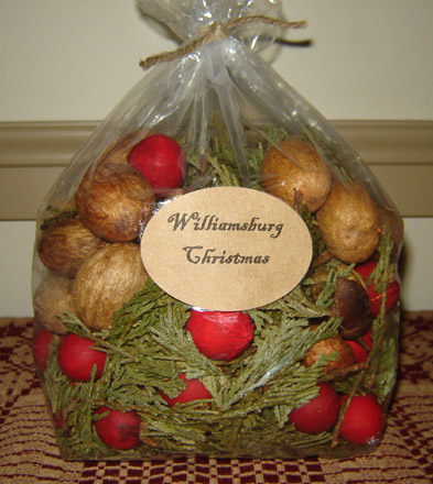 CT143 Williamsburg Christmas Potpourri-