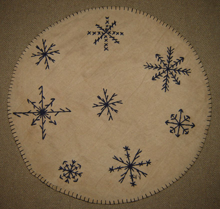CT150 14 Inch Stitched Snowflake Candle Mat-