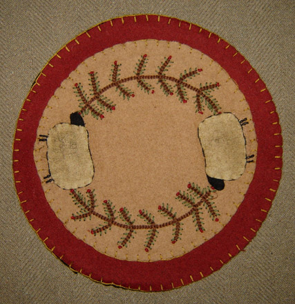 CT151 9 Inch Sheep & Holly Felt Candle Mat-