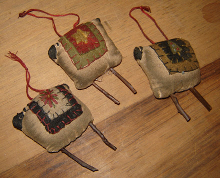 CT164 Primitive Sheep Ornies-Set of 3-