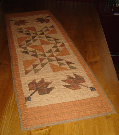 FH125 Fall Leaves Quilted Runner-
