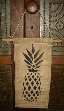 MO188 Hanging Pineapple Banner-