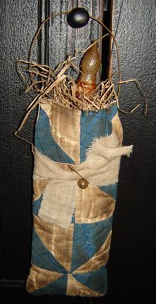 MO208 Old Quilt Candle Bag Hanger-