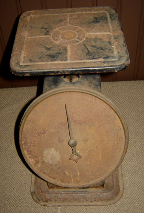 OS119 Rusty Old Scale with Black-